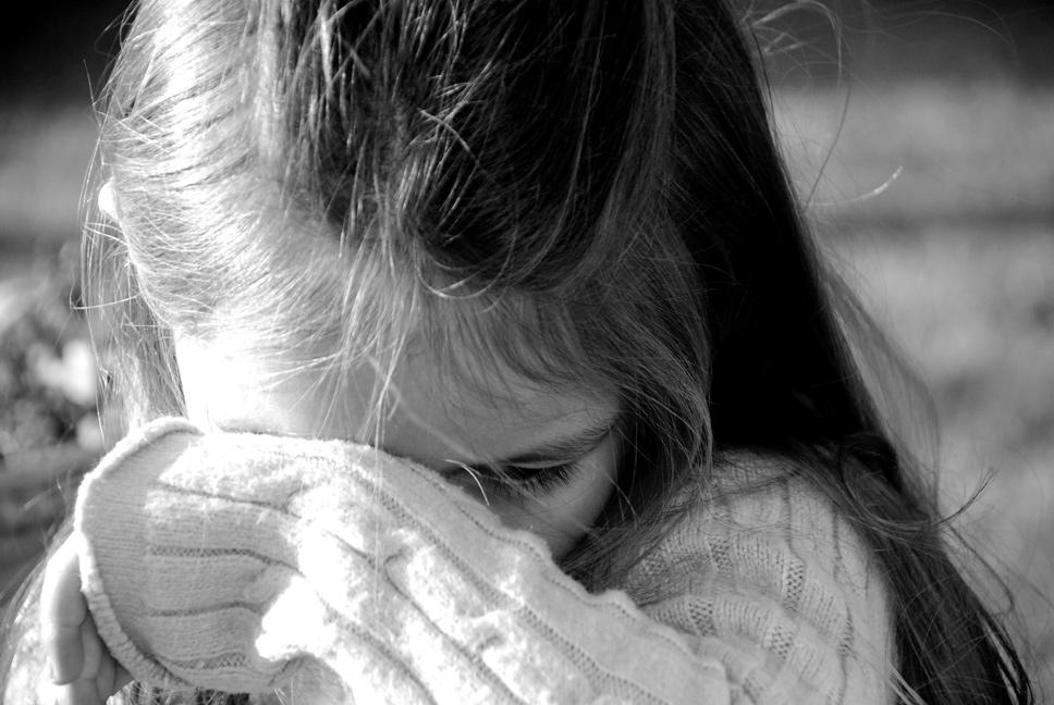 дівчинка-плаче