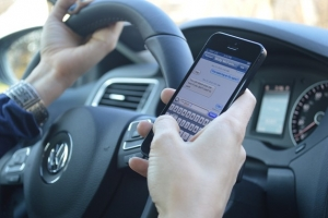 texting-while-driving-628-1